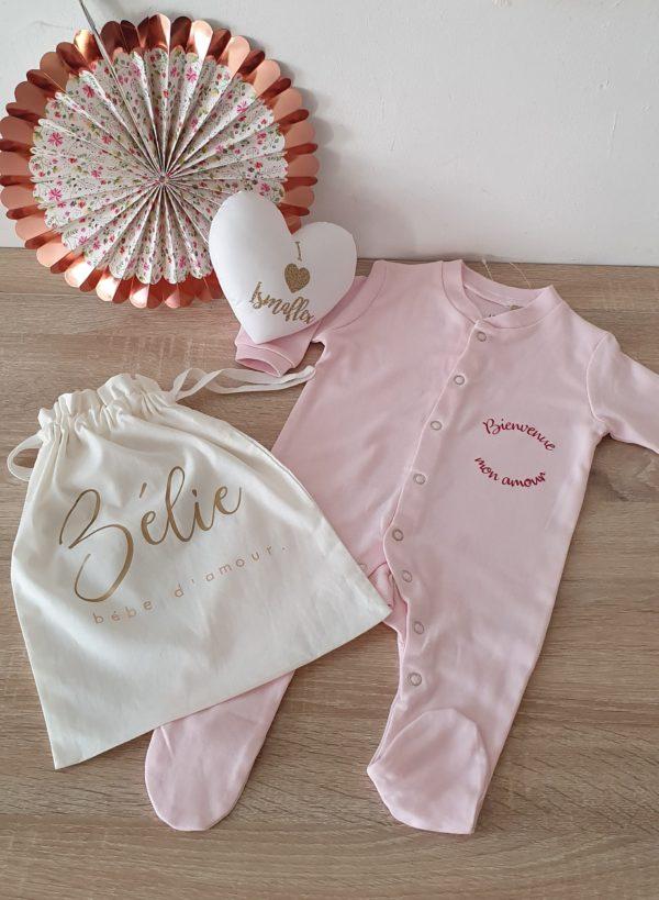 pochon et pyjama bébé