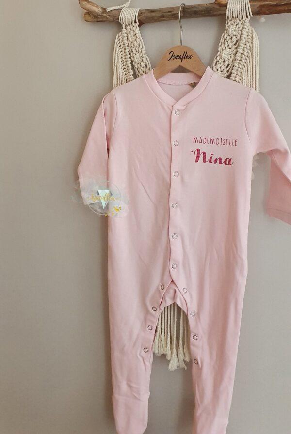 pyjama bébé rose personnalisé avec le prénom
